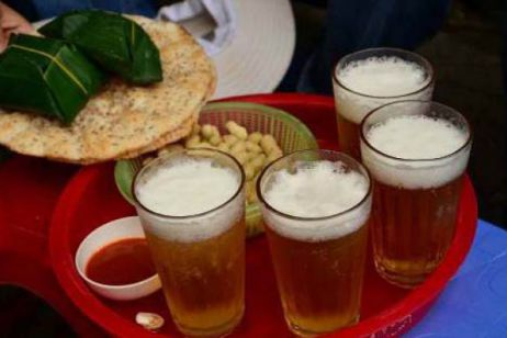 Top 10 Street Drinks in Hanoi