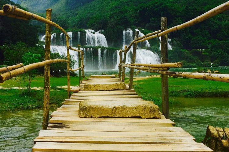 Highlights Of Ba Be Lake And Ban Gioc Waterfall 3 Days 2 Nights